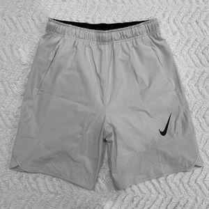 "Nike Flex 8"" Men's Training Shorts LIGHT GREY/BLK"